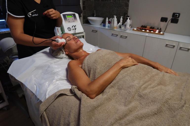 trattamento viso e corpo 8