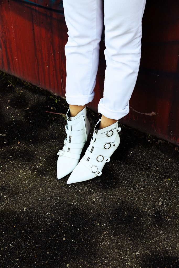 white boots 4